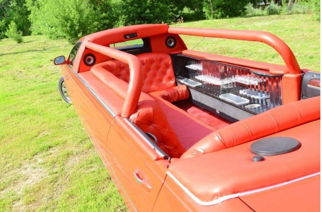 Red abriolet limousine 2
