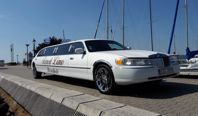 Lincoln Town Car limousine outdoor