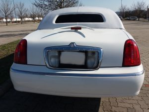 Lincoln Town card limousine back