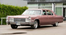 Cadillac Fleetwood 75 limousine 1965