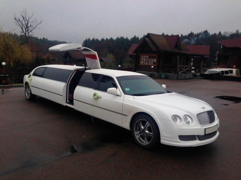 Lincoln Town Car (Bentley replica) - LimoMarket.com