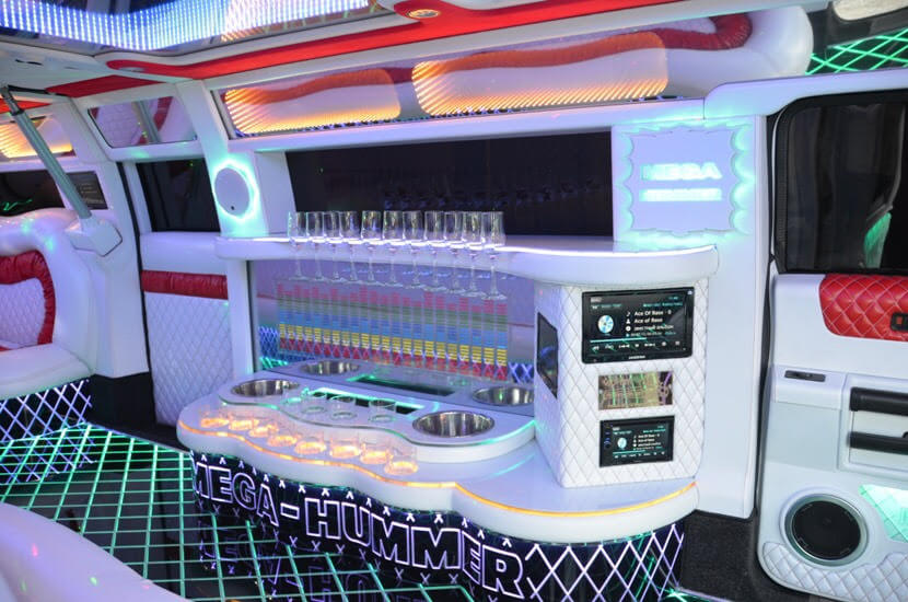 interior hummer h2 limo