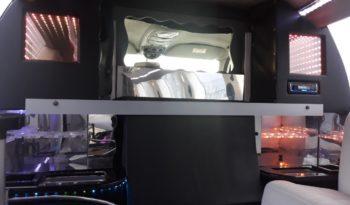 Ford Excursion Triton full