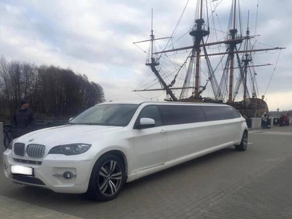 BMW X6 Limo - LimoMarket.com